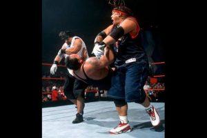 El equipo lo formaban Jamal , hermano de Rikishi y Tonga Kid, y Rosey, hijo de Sika Foto:WWE. Imagen Por: