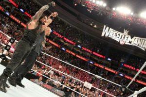 Su primo, La Roca, le ayudó a ganar Royal Rumble Foto:WWE. Imagen Por: