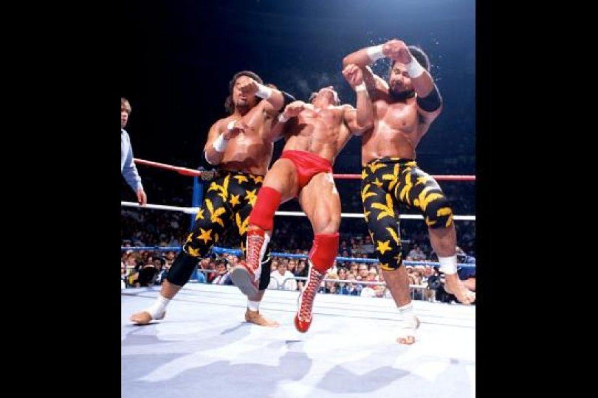 Con el nombre de Tama, se alió a Haku para formar a The Islanders Foto:WWE. Imagen Por: