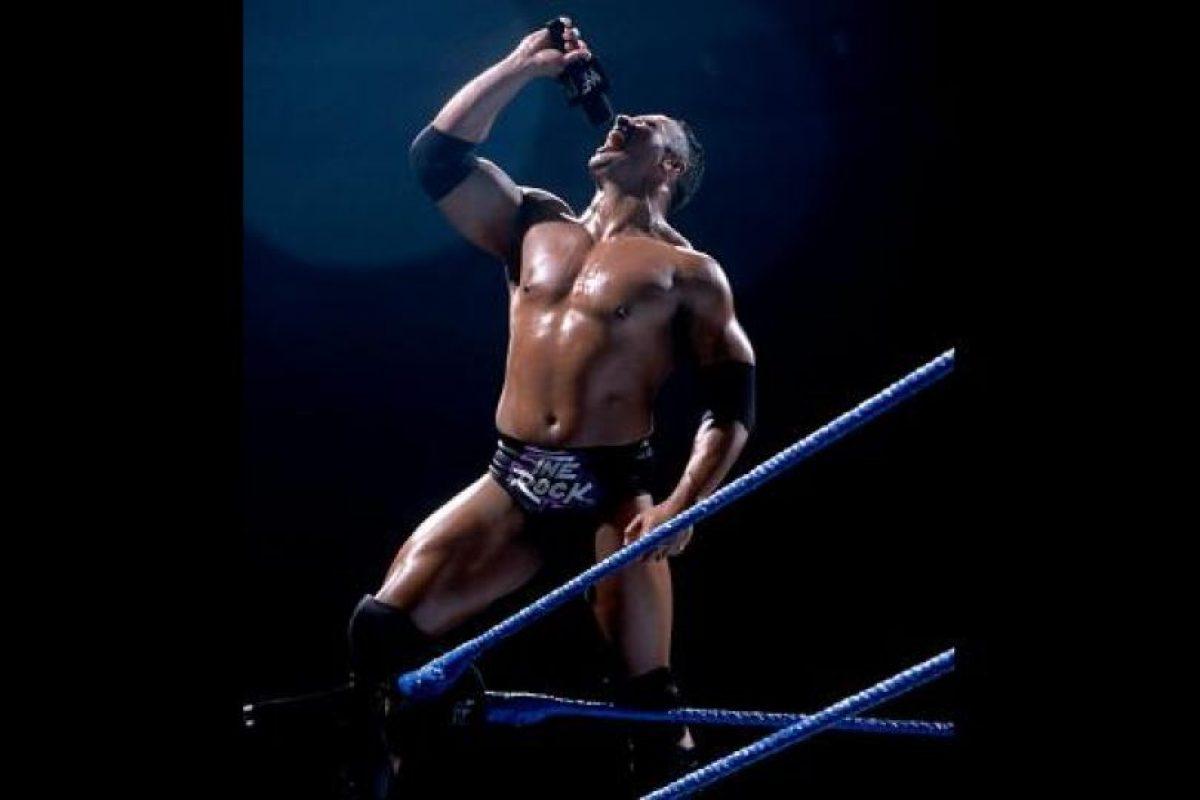 La Roca es uno de los luchadores más populares de la WWE Foto:WWE. Imagen Por: