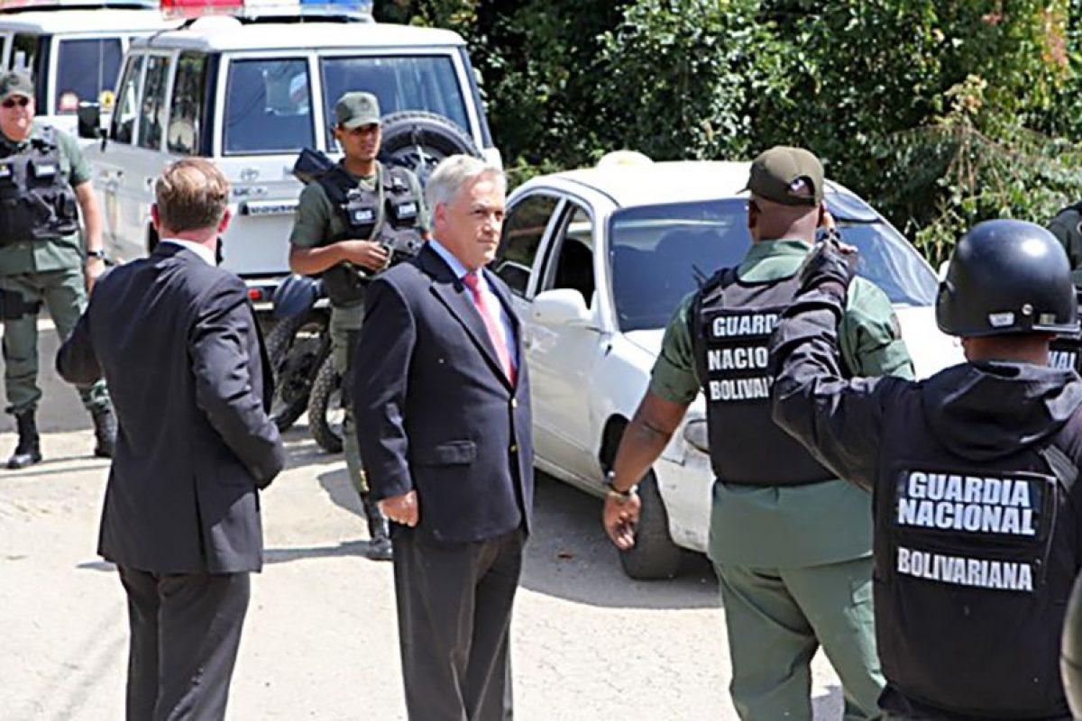 Sebastián Piñera en su fallido intento de visitar a Leopoldo López Foto:Agencia Uno. Imagen Por:
