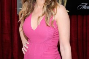 La actriz se mudó a la casa de su mamá, después de que su media hermana se suicidara. Foto:Getty Images. Imagen Por: