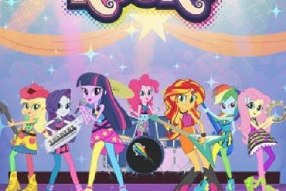 """""""My Little Pony Equestria Girls: Rainbow Rocks"""". Disponible a partir del 28 de febrero. Foto:Netflix. Imagen Por:"""