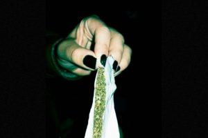 La empresa Solstice lanzó un souvenir de marihuana medicinal en el marco del partido más esperado de la temporada Foto:Tumble.com/Tagged-marihuana. Imagen Por:
