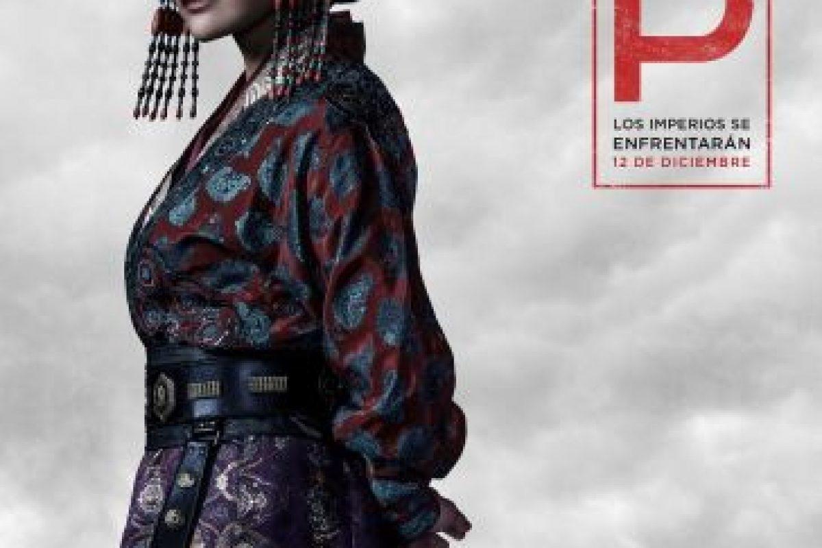 Joan Chen interpreta a la Emperatriz Chabi, la esposa de Kublai Khan con voluntad firme, en la serie original de Netflix Marco Polo. Foto:Netflix. Imagen Por: