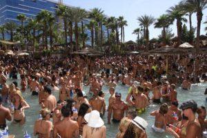 La piscina de este hotel ha sido visitada por famosos de la talla de Lady Gaga. Foto:Getty Images. Imagen Por: