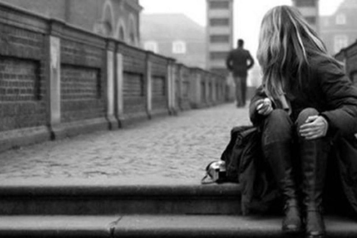 No hay nada peor que esto, por lo que debes comenzar a acudir a tu familia, ya que ellos te apoyan en cualquier aspecto de tu vida, visita a tus amigos, sobre todo a aquellos que dejaste de lado cuando comenzaste esa relación, arréglate más, cambia de look y sal más a menudo con tus conocidos. Foto:Tumblr.com/Tagged-pareja-rompimiento. Imagen Por: