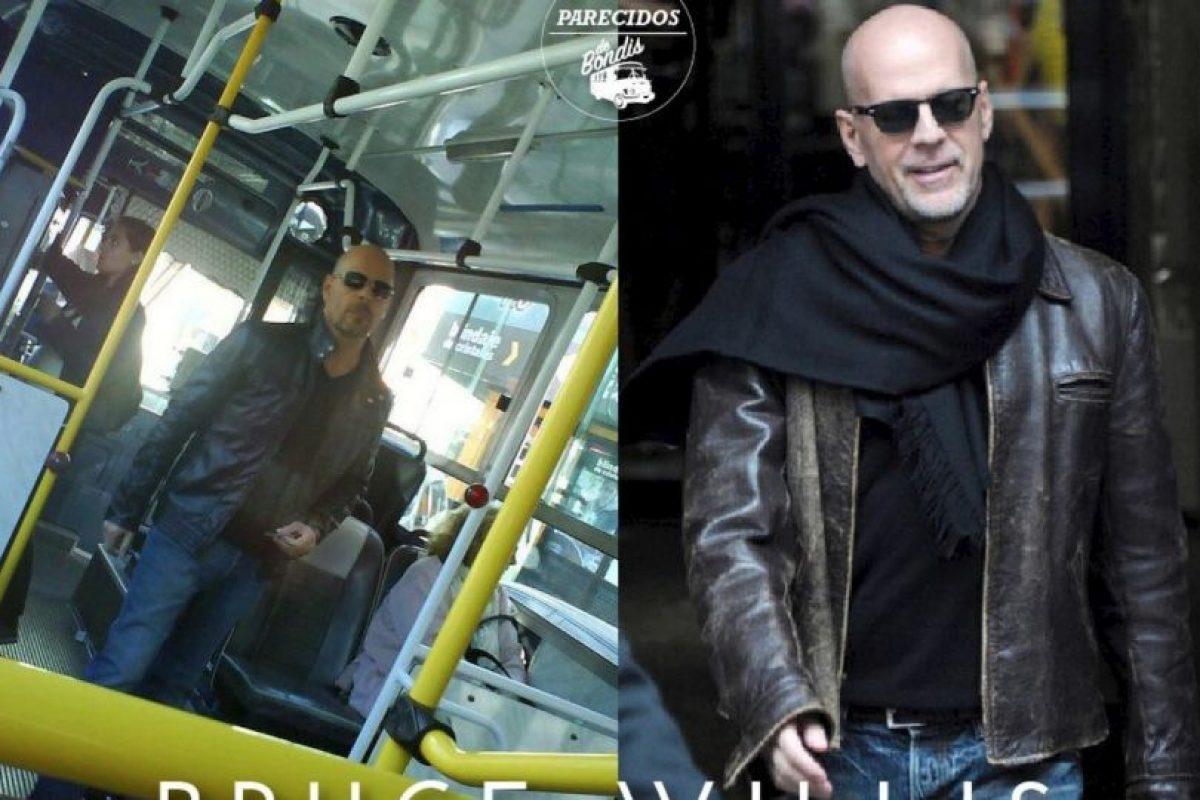 Bruce Willis Foto:Parecidos De Bondis/Facebook. Imagen Por: