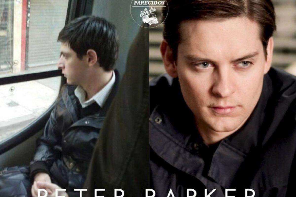 Peter Parker Foto:Parecidos De Bondis/Facebook. Imagen Por: