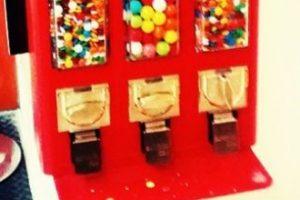 3. Si no pueden usar cepillo de dientes, usen chicle sin azúcar. Foto:Tumblr.com/Tagged-chicle. Imagen Por: