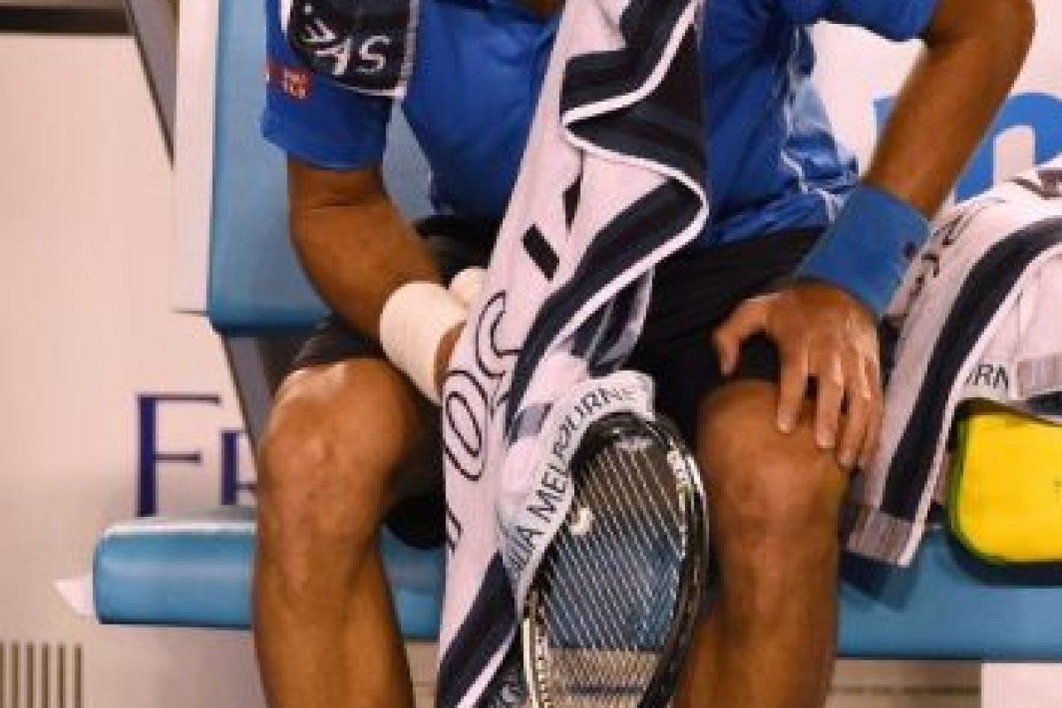 Nole usa vendas en algunos de sus dedos Foto:Getty. Imagen Por: