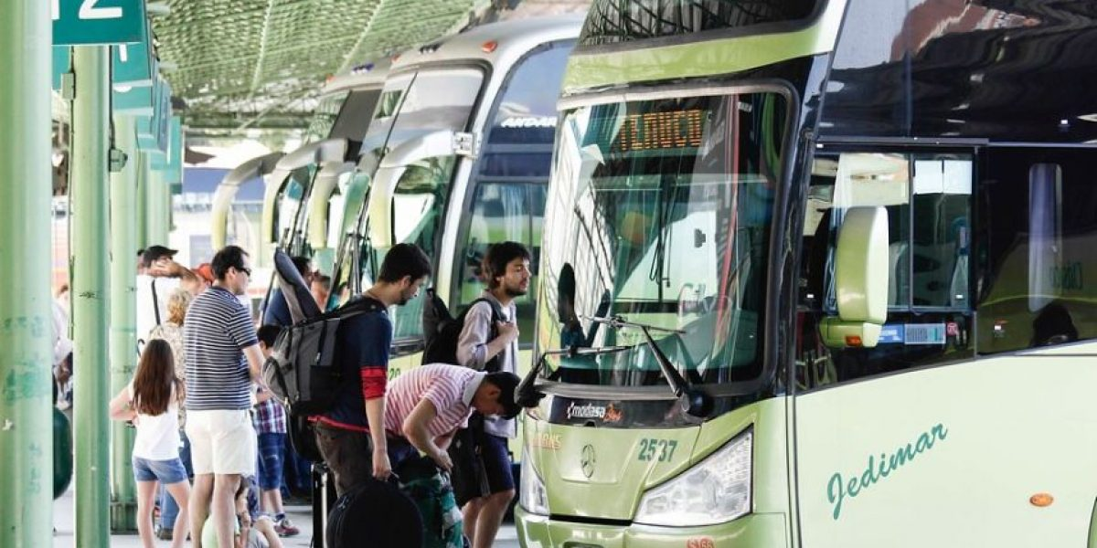 Ministerio de Transportes refuerza fiscalización en terminales ante recambio de veraneantes