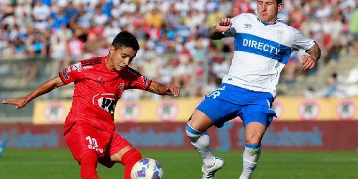 La UC remontó ante Ñublense y sigue firme en el Clausura