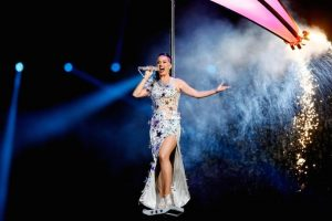 "Perry la empleó para cantar ""Firework"". Foto:AFP. Imagen Por:"