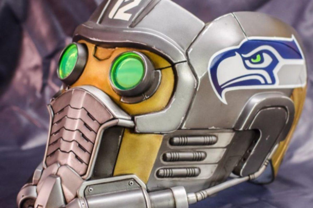 """Este es el casco que usaría el actor de """"Guardianes de la Galaxia"""" en apoyo a los Halcones Marinos. Foto:Twitter/Chris Pratt. Imagen Por:"""