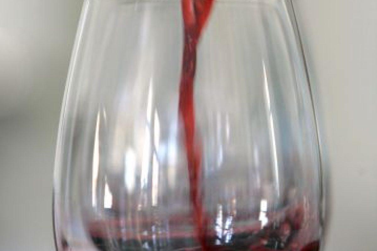 4. Vino. Investigadores de la Universidad de Florencia (Italia) reclutaron a 800 mujeres de 18 a 50 años de edad para estudiar si el vino tinto tiene algún efecto sobre la libido femenina. Foto:Getty Images. Imagen Por: