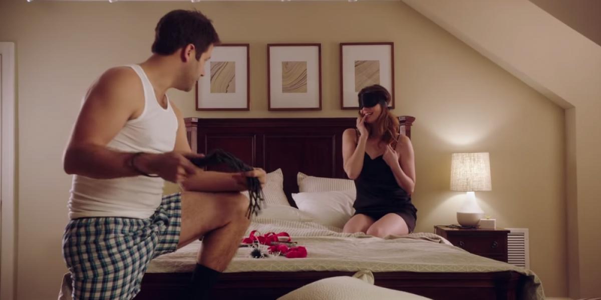 VIDEOS: Marcas de condones se aprovechan de la fiebre de