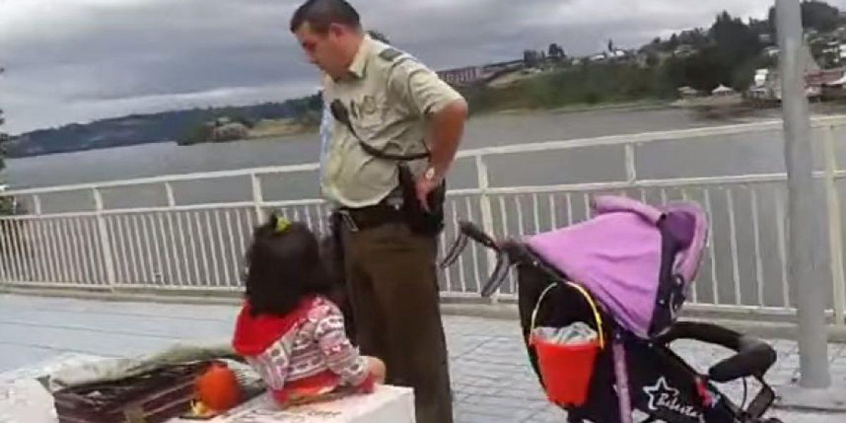 ¡Insólito! Carabineros detiene a artesana en Castro y dejando sola a su hija de dos años en la calle