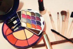 Los especialistas recomiendan revisar en internet si los productos cosméticos que comprarán poseen ftalatos. Foto:Pixabay. Imagen Por: