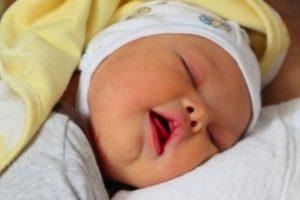Él es Leo Forrest, el bebé que fue noticia por haber sido abandonado por su madre al nacer. Foto:GoFundMe. Imagen Por:
