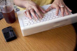 9. Evitar utilizar software sospechoso Foto:Getty Images. Imagen Por: