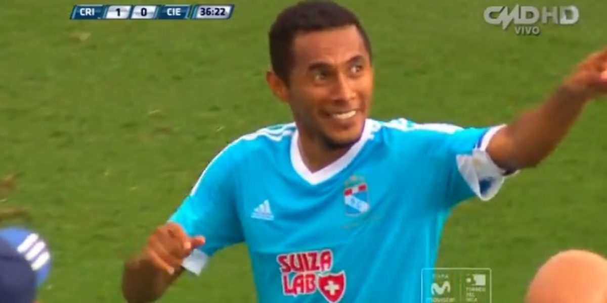 Video: ¡Tremenda pepa! golazo olímpico a tres dedos en el fútbol peruano