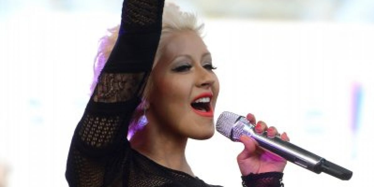 FOTO: Christina Aguilera presume la belleza de su pequeña Summer Rain