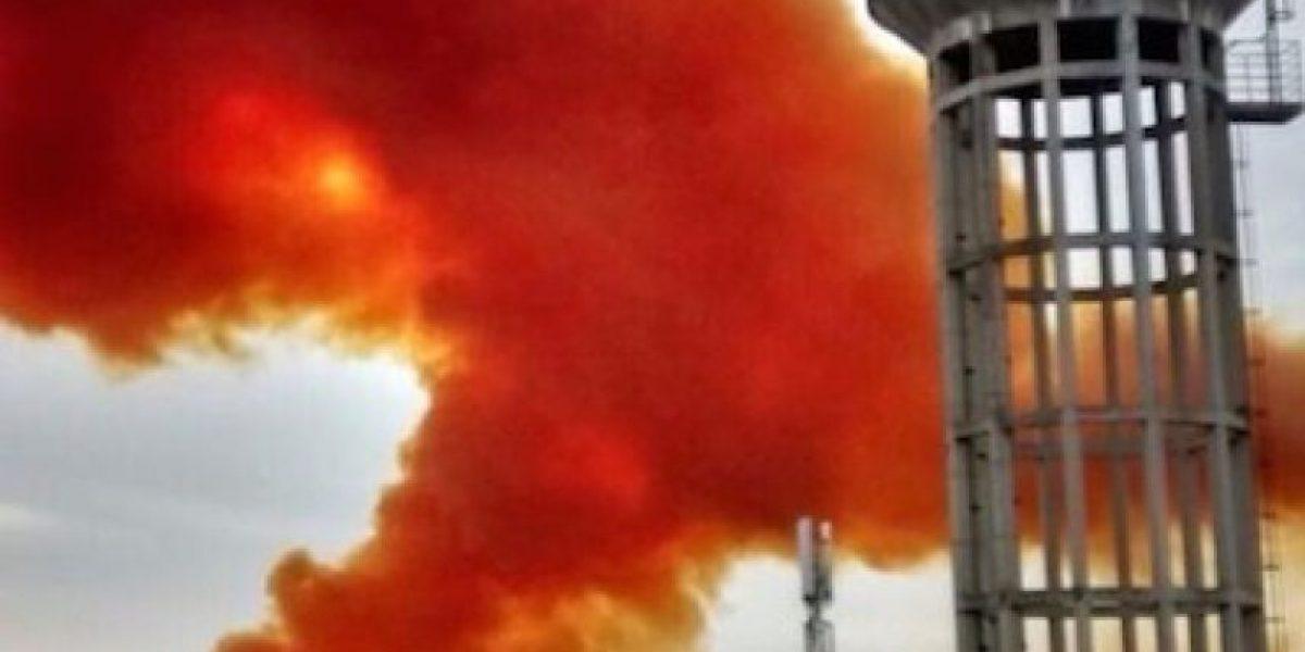 FOTOS: Explosión en empresa química provoca nube tóxica