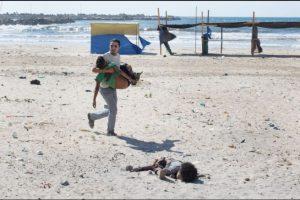 """Segundo lugar, """"Historia en noticias en el momento"""": Fotografía captada por Tyler Hicks, de Estados Unidos, durante el conflicto en la Franja de Gaza Foto:World Press Photo 2015. Imagen Por:"""