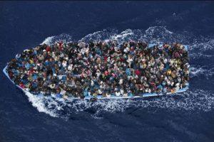 """Segundo lugar, """"Noticias Generales"""": Massimo Sestini, de Italia, muestra el rescate de migrantes en el Mar Mediterráneo, en Italia Foto:World Press Photo 2015. Imagen Por:"""