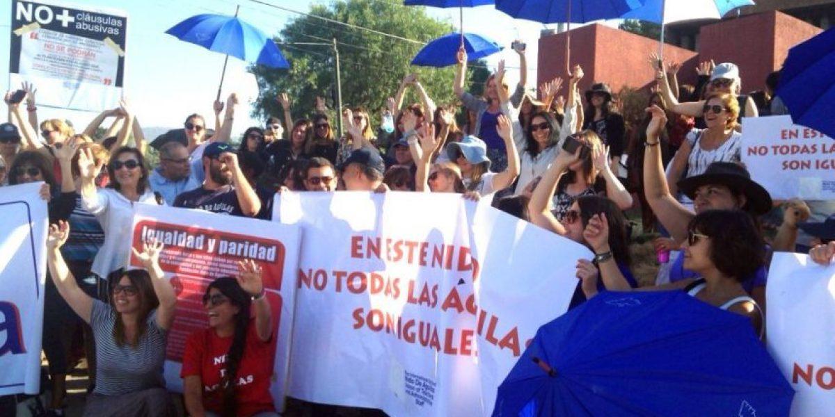 Profesores y administrativos del colegio Nido de Águilas inician huelga por discriminación