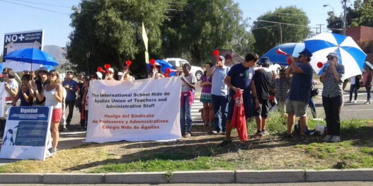 Sigue la huelga en el Colegio Nido de Águila por las diferencias salariales entre profesores