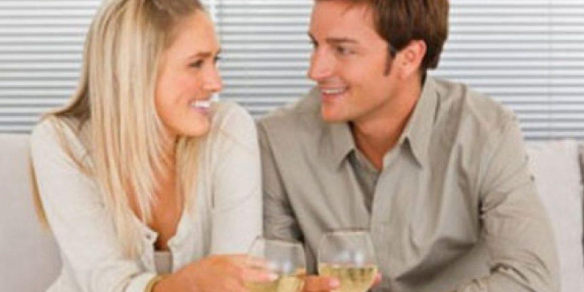 Estudio revela 26 señales de que alguien está coqueteando contigo
