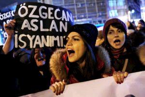 8. Las mujeres representan el 98 por ciento de las personas que son explotadas sexualmente contra su voluntad (4,5 millones de personas). Foto:AFP. Imagen Por: