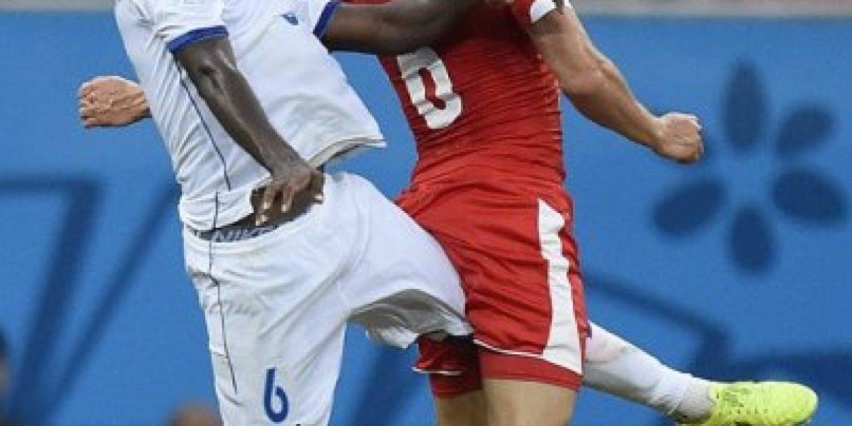 En Inglaterra confirman que futbolista mundialista hondureño padece leucemia