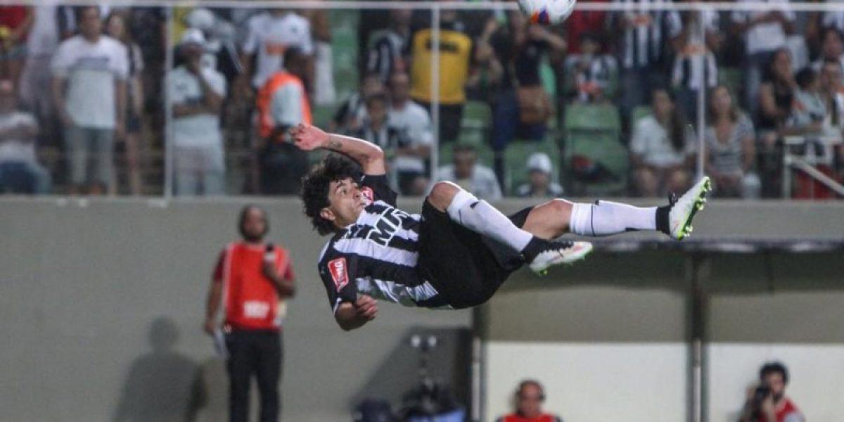 Con bajas y con oncena casi confirmada viajó Mineiro para enfrentar a Colo Colo