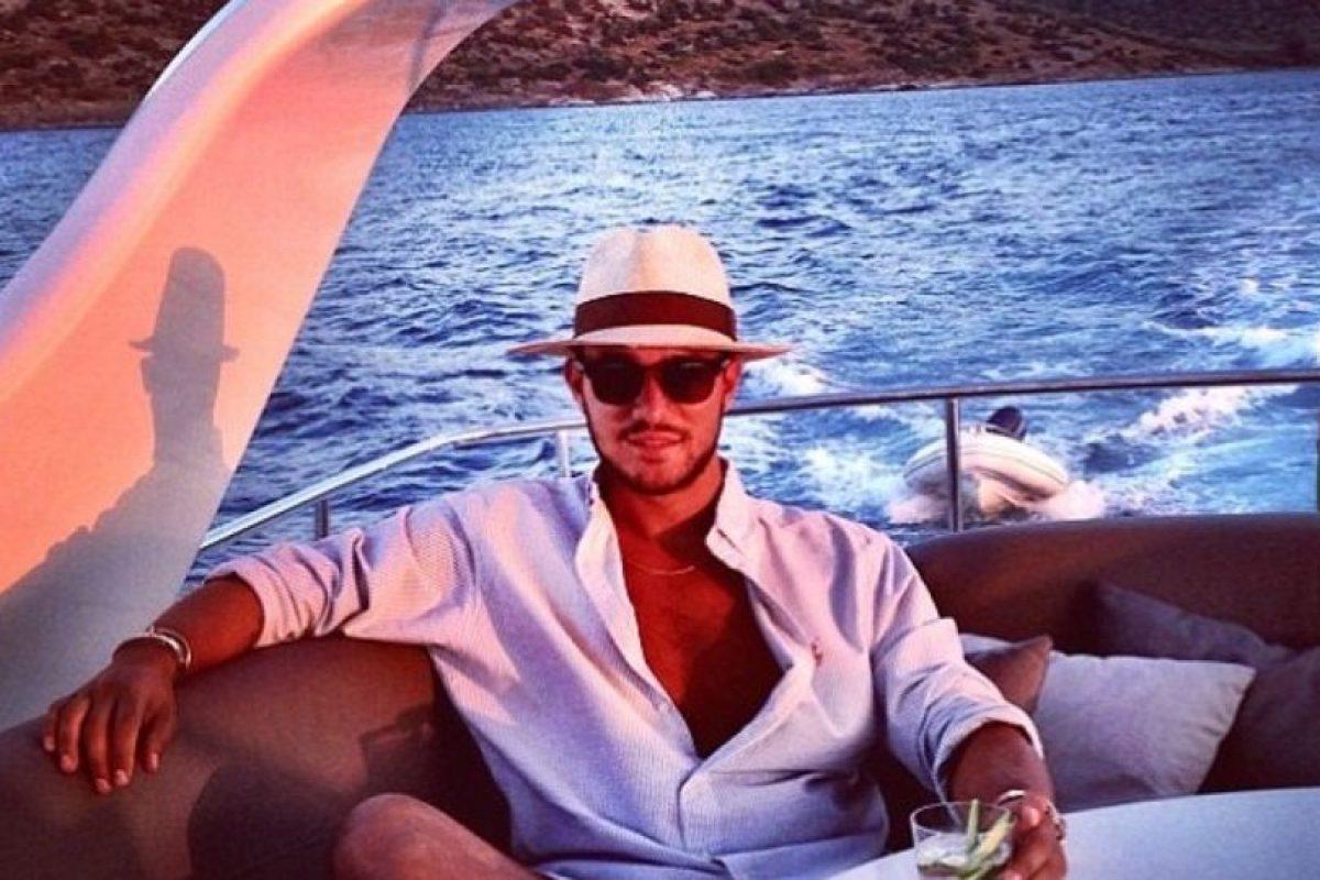 Afirma que así como los bloggers muestran su ropa, él su riqueza. Foto:Andrew Warren/Instagram. Imagen Por: