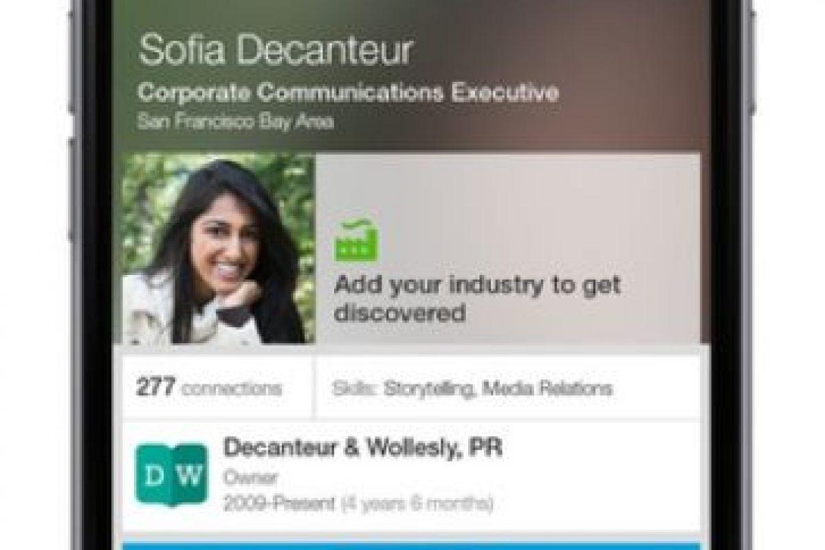 LinkedIn: Da la posibilidad de conectarse con colegas, amigos y otras miembros de su vida laboral. Foto:LinkedIn. Imagen Por: