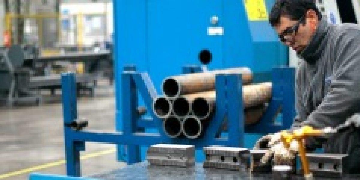 Producción industrial del sector metalúrgico - metalmecánico cayó 9,2% el 2014