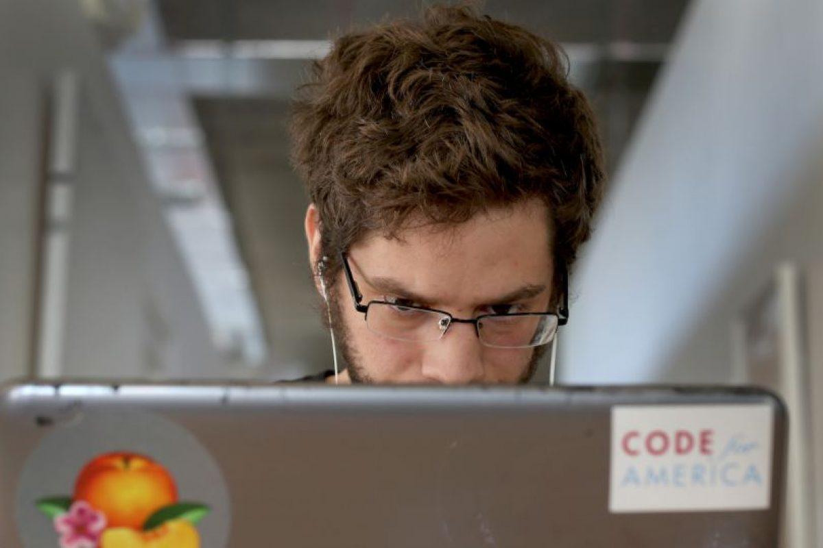 El oftalmólogo Emanuel Barberá, oftalmólogo del Centro Quirón de A Coruña en España, mencionó: Foto:Getty Images. Imagen Por: