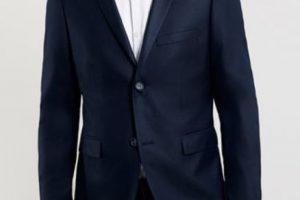 Las chaquetas deben ser slimmy, adaptadas a su figura, clásicas. Foto:TopMan. Imagen Por:
