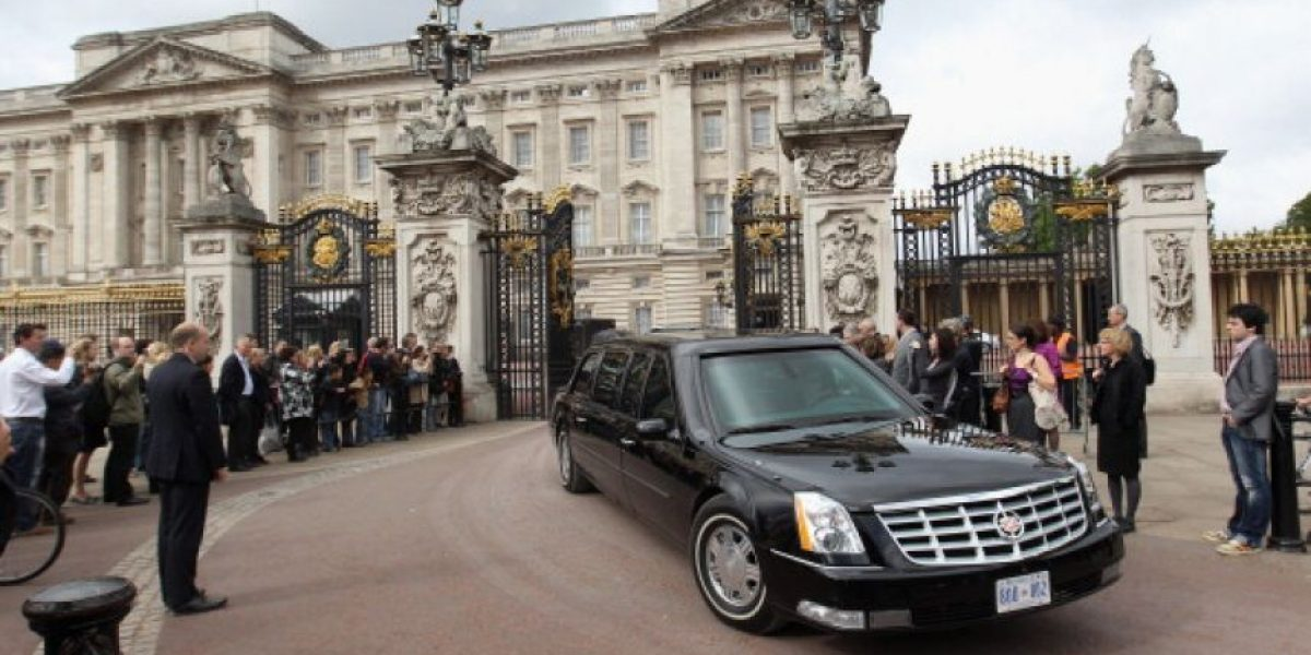 ¿Buscas trabajo? Hasta 32.500 euros al año recibiría el nuevo chofer del Palacio de Buckingham