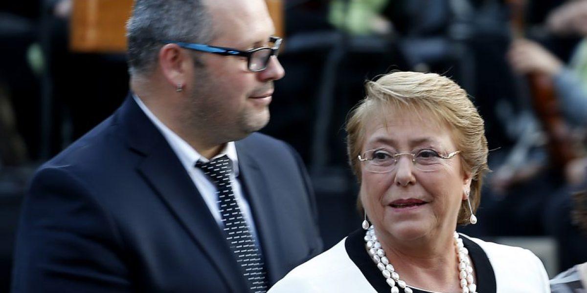 Caso Dávalos impacta imagen de Bachelet y su aprobación cae al nivel más bajo de su segundo mandato