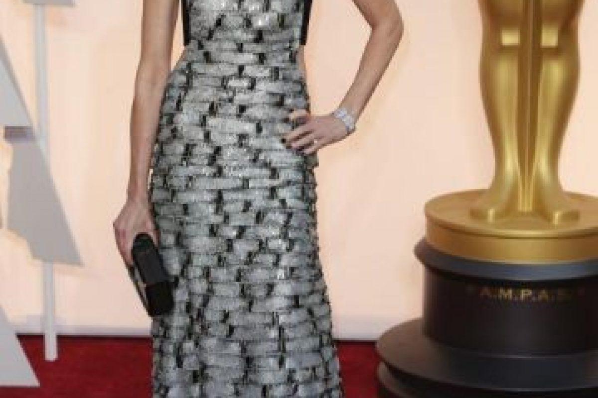 Aunque la textura es rara, este vestido de Naomi Watts no pasa inadvertido. Foto:Getty Images. Imagen Por: