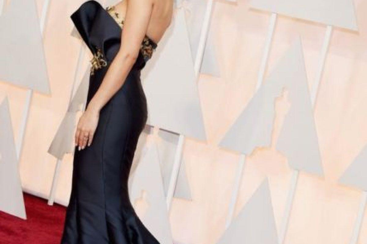 Rita Ora, con una declaración de estilo en la alfombra roja. Foto:Getty Images. Imagen Por: