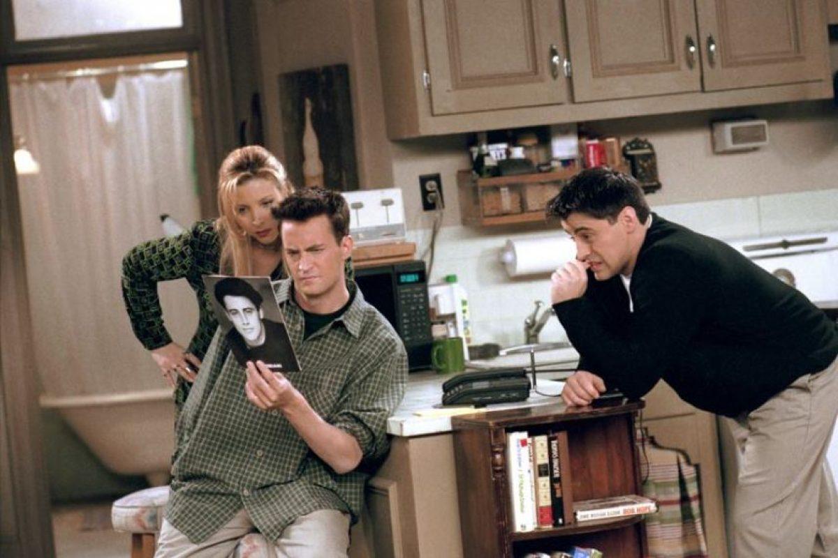 """Por sus """"books"""" de fotos para casting: mil dólares por dos tomos Foto:Facebook/Friends. Imagen Por:"""