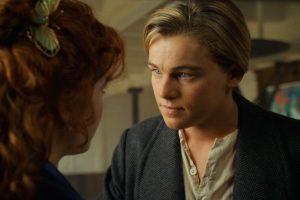 """Primero: Jack no tiene dinero de esta época, por ello se dedica a las apuestas y así consigue dinero y su boleto al """"Titanic"""" Foto:Facebook/Titanic. Imagen Por:"""