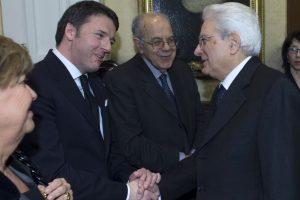 Aquí con el Primer ministro Matteo Renzi. Foto:Getty Images. Imagen Por: