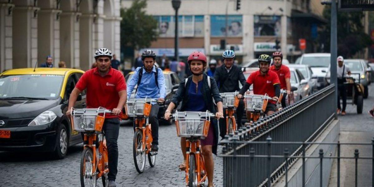 Inauguran primer sistema de bicicletas públicas en la comuna de Santiago