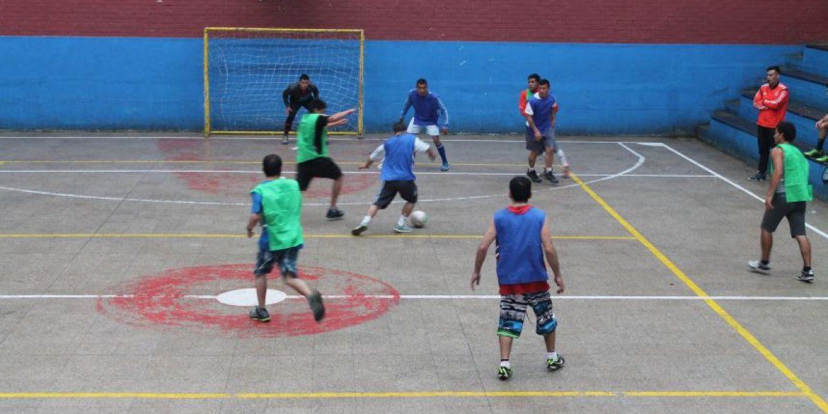 Reos de Valparaíso disputan torneo para ganar visita conyugal